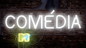 "Logotipo ""Comédia MTV"" em letras como luminosos de neón."