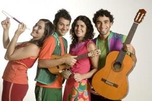 Integrantes do Grupo Tiquequê, responsáveis pelos espetáculos Toc Patoc e Tu Toca o que?